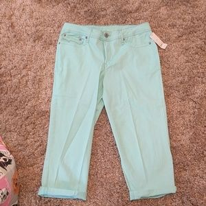 NWT mint color capris by Faded Glory